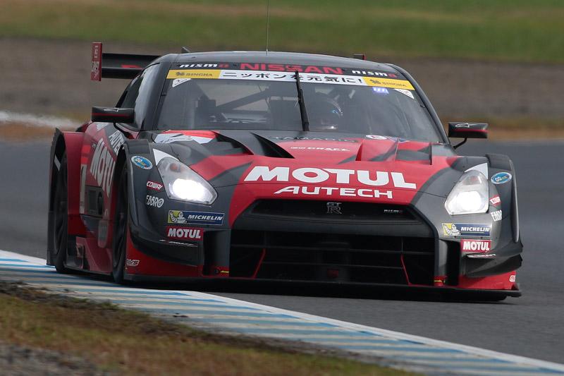 予選12位から奇跡の大逆転でシリーズチャンピオンになった1号車 MOTUL AUTECH GT-R(松田次生/ロニー・クインタレッリ組)