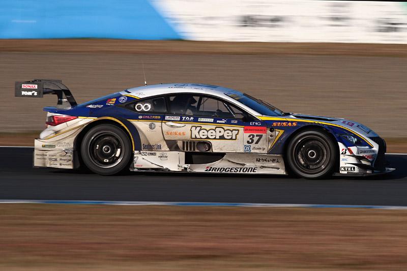 最終戦で優勝した37号車 KeePer TOM'S RC F(アンドレア・カルダレッリ/平川亮組)