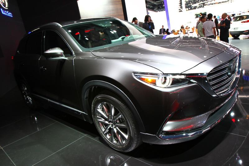 2代目にフルモデルチェンジした新型CX-9。ボディーサイズは5065×1969×1716mm(全長×全幅×全高)