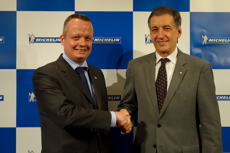 2015年11月1日に新社長に就任したポール・ペリニオ氏(左)と、同日代表取締役会長に就任したベルナール・デルマス氏(右)