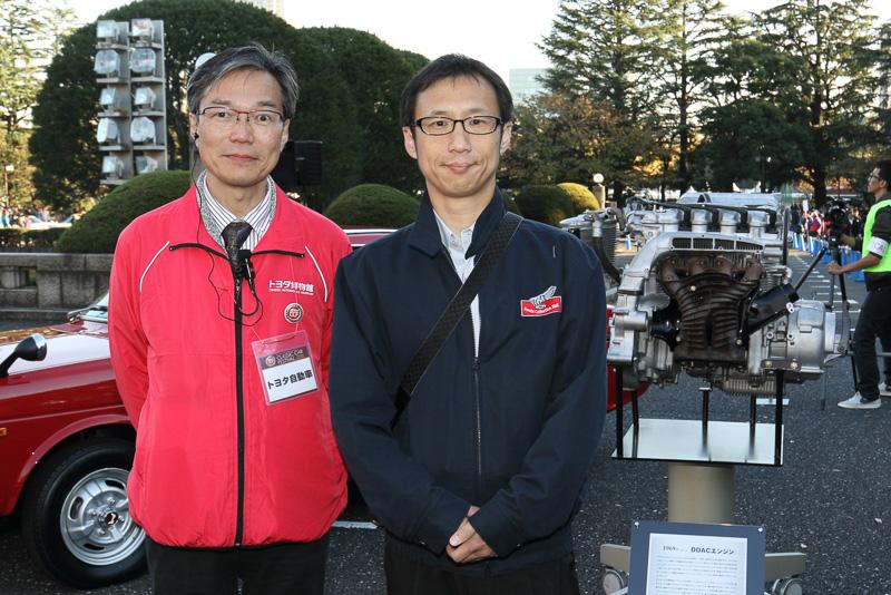 ホンダコレクションホールの野尻氏とトヨタ博物館の浜田氏。後ろに見えるのはホンダDDACエンジン