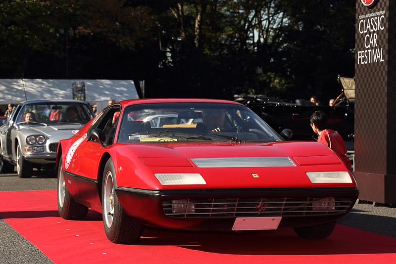 高い人気で見学者が絶えなかったフェラーリ365GT4/BB(1974年 イタリア)
