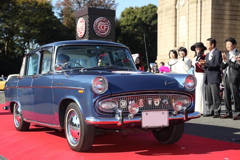 トヨペットコロナ1500でラックス(1964年 日本)も三丁目の夕日に出演したクルマだ
