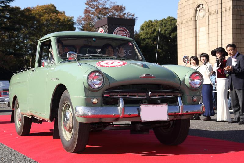 非常に珍しいシングルキャブのトラック トヨタマスターライン(1957年 日本)