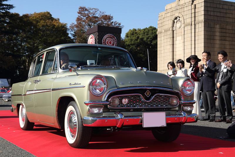 特別賞 ロングディスタンス賞 トヨペットクラウン(1962年 日本)オーナー  平光仁氏 82