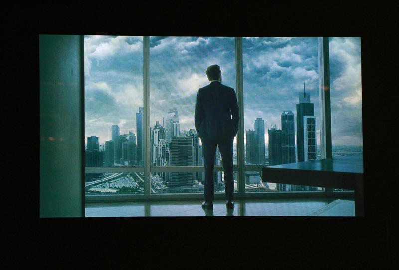 「ウラカン LP610-4 スパイダー」のイメージムービー。男と女が雷と豪雨の中でも走りに出る、そんな内容。エンディングのメッセージは「OWN THE SKY」