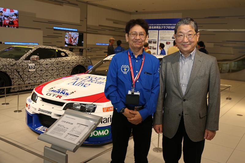 当日は日産の志賀俊之副会長もNISMO GT-R LM ルマン仕様を見学。磯部氏と同モデルについて意見を交わしていた