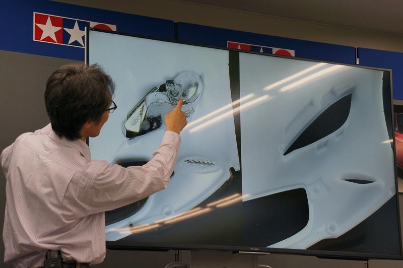 ヘッドライトやリアコンビランプなど、部品の精度が高まったことで作りやすさも向上したという