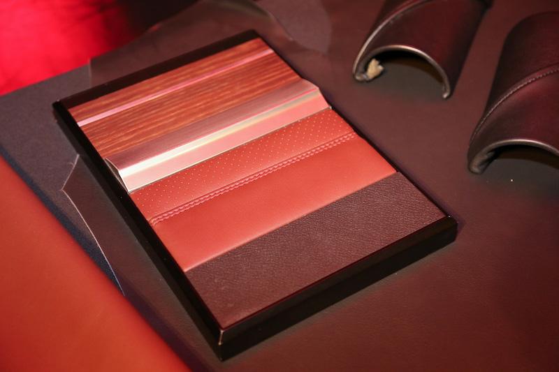 レザーも質感や手触りのよいナッパレザーを使用
