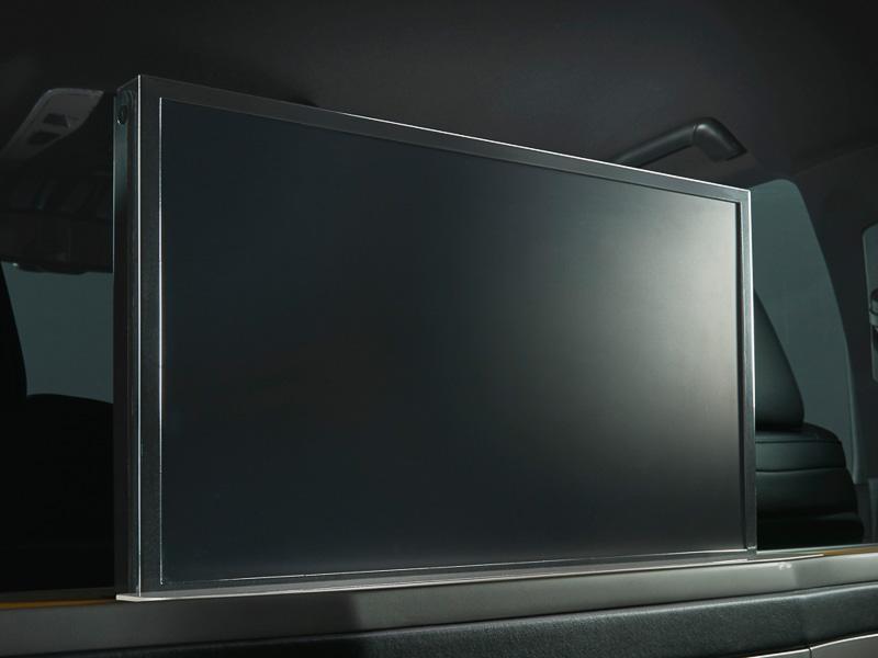 専用24型大型液晶ディスプレイ