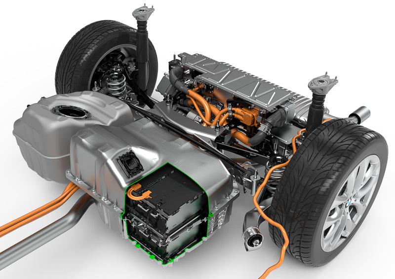 225xe アクティブ ツアラーに採用されたプラグインハイブリッドシステム
