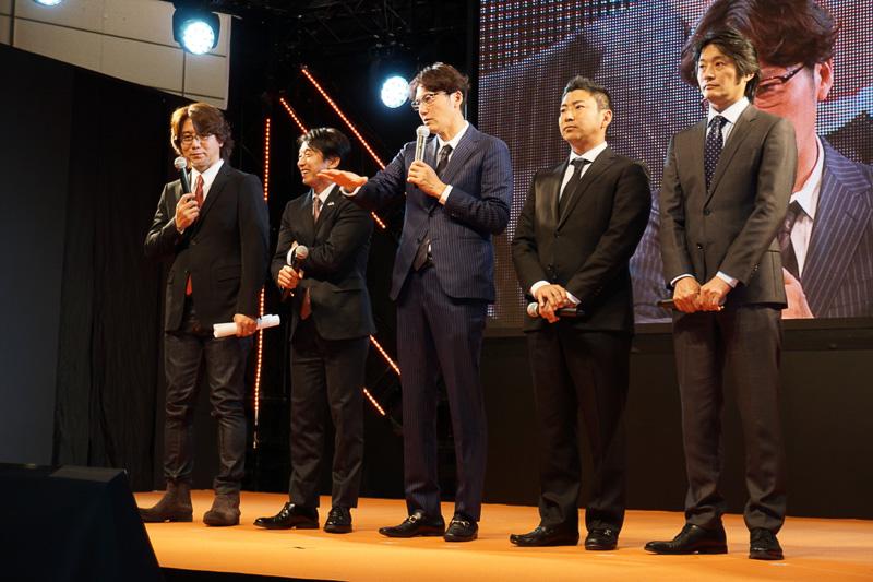 ドライバーの谷口信輝選手らが2016年シリーズに向けた意気込みを語った