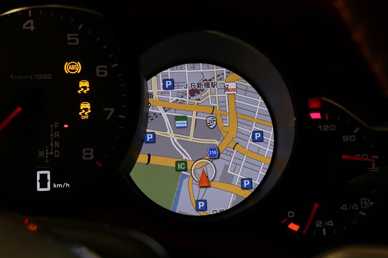 5眼メーターのインフォメーションディスプレイでは、地図に加えて各種情報を表示できる