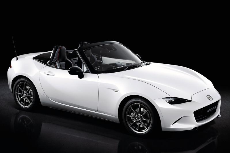 4月から「アテンザ」「ロードスター」「タイタン」「ファミリアバン」の4車種がマツダオートザム販売店でも販売されることになった