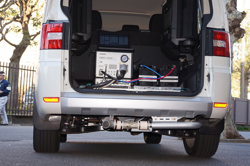 路上走行試験に使用したPEMS(Portable Emissions Measurement System)