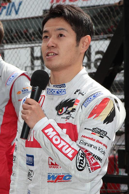 ホンダエンジン搭載チームを代表して挨拶した山本尚貴選手