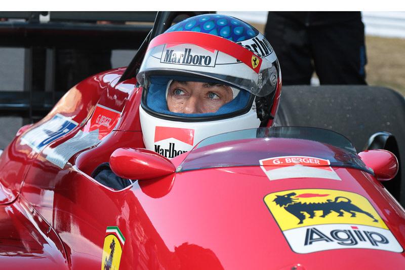フェラーリ F187はジャンがドライブ