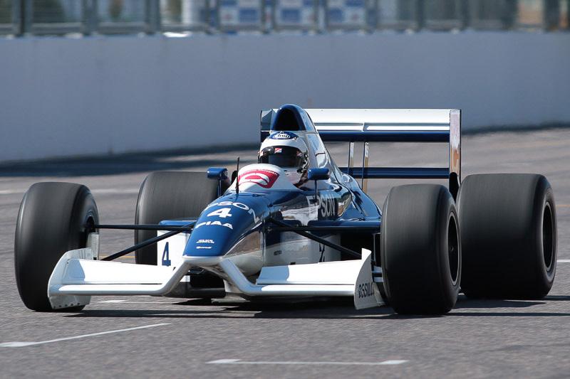 ジュリアーノの初F1は父がかつてドライブしたティレル 019となった