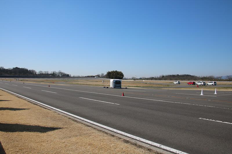 開催場所はテストコース「GKN ドライブライン ジャパン プルービンググラウンド」