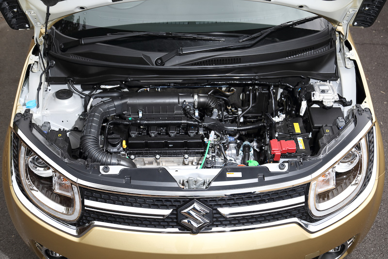 直列4気筒 1.2リッター「デュアルジェット エンジン」は最高出力67kW(91PS)/6000rpm、最大トルクは118Nm(12.0kgm)/4400rpmを発生。これに最高出力2.3kW(3.1PS)/1000rpm、最大トルク50Nm(5.1kgm)/100rpmを発生するWA05A型モーターを組み合わせる