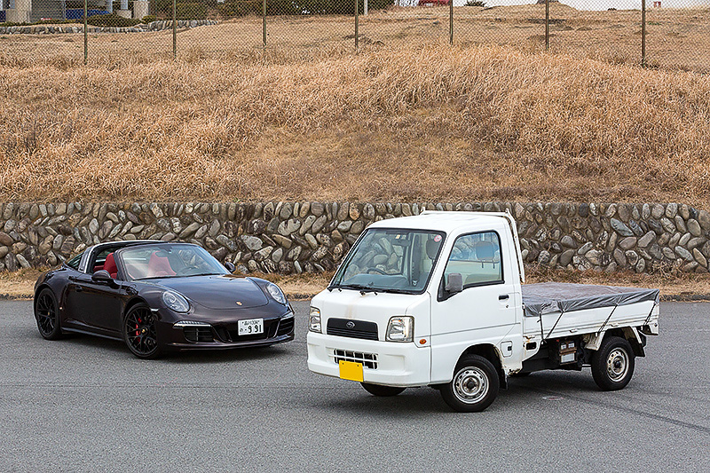 農道のなんとかとは言いませんが…… 後ろの車両は本文とは関係ありません