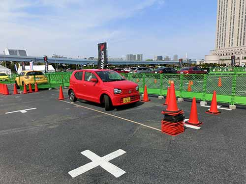 縦列ポイントのコツが伝授される「駐車練習」は人気の高いコーナー