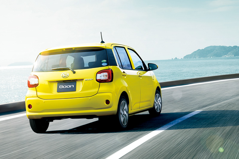 低燃費技術「e:Sテクノロジー」の採用により、JC08モード燃費は従来比0.4km/Lアップの28.0km/Lに高めつつ、加速性能や登坂能力も引き上げて軽快な走りを両立している
