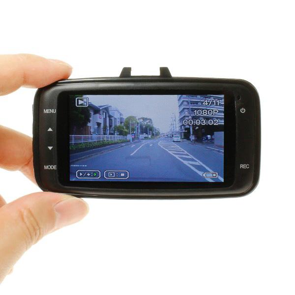 本体背面の2.7インチ液晶モニターでカメラの向きや録画した動画、静止画を確認できる