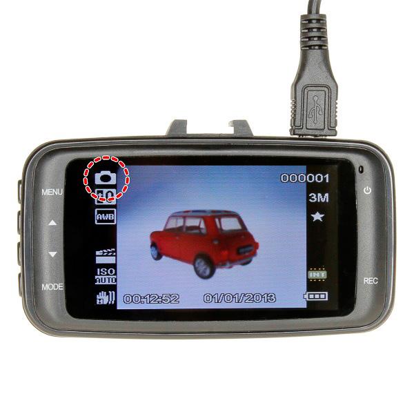 ズーム機能、オートシャッター機能などを備えて静止画撮影にも対応