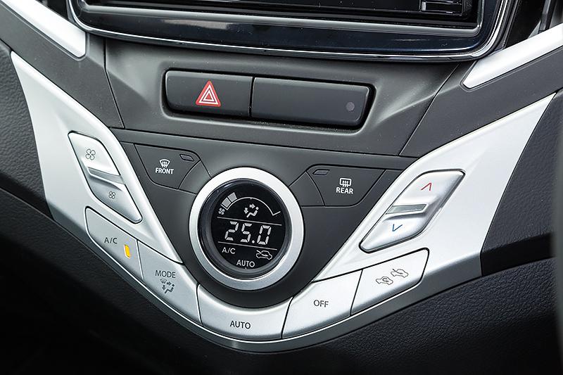XTのエアコンはエアフィルター付きのフルオート