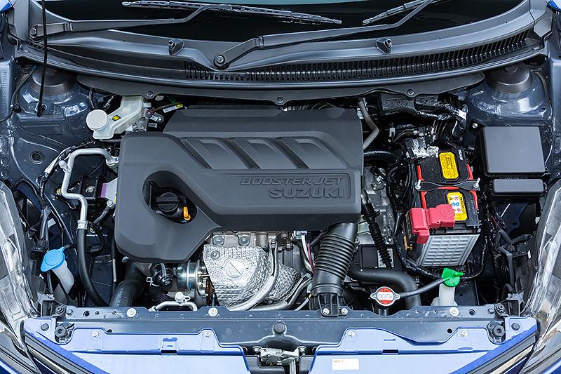 XTに搭載する直列3気筒DOHC 1.0リッター直噴ターボ「K10C」型エンジンは、最高出力82kW(111PS)/5500rpm、最大トルク160Nm(16.3kgm)/1500-4000rpmを発生