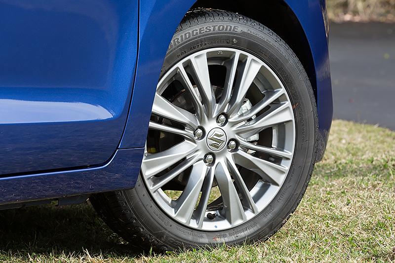 XTのタイヤサイズは185/55 R16