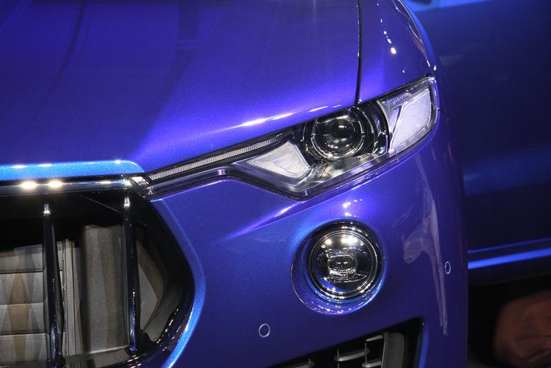 レヴァンテ Sは「AFS バイキセノン・ヘッドライト」「LEDフォグランプ」を標準装備