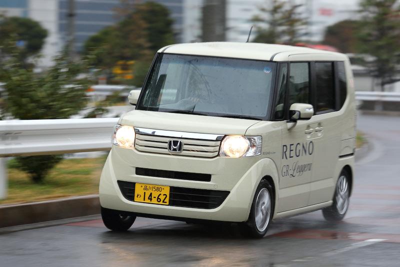 こちらはもう1台の試乗車である本田技研工業「N-BOX」。タイヤサイズはデイズと同様の155/65 R14で、空気圧は240kPaに設定されていた