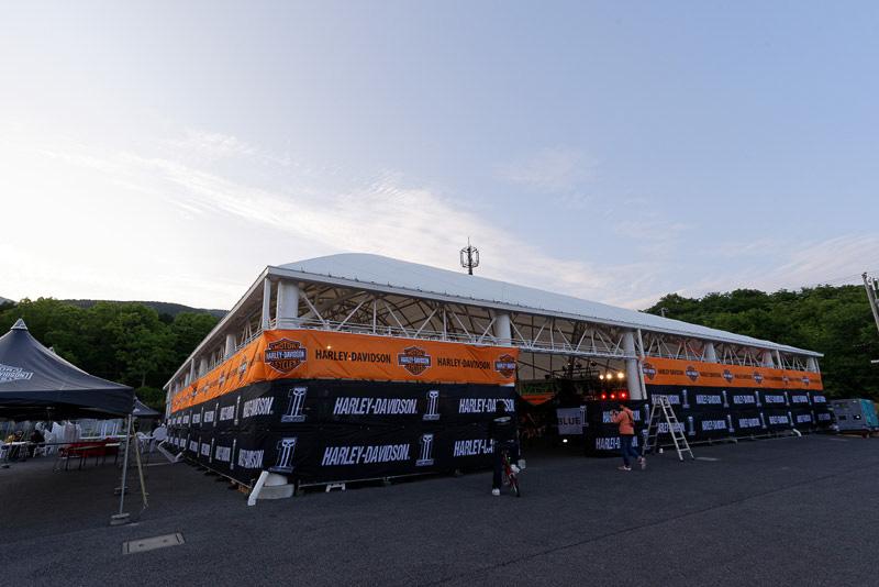 20日夜に開催された富士スピードウェイのブルースカイヘブン前夜祭の会場