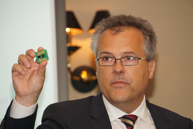 NXPセミコンダクターズN.V. 上級副社長 兼 オートモーティブ部門最高責任者 カート・シーバース氏
