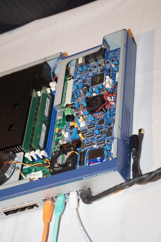 セーフティコントローラ「S32V234」が実装されている基板