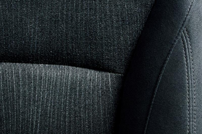 ハイブリッド LXのシート表皮はバイオPET
