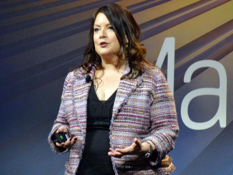 Dell EMCの対外的な窓口として有名だったジェレミー・バートン氏に代わってCMOに就任したアリソン・デュー氏。今回がCMOとして登壇する初の公式の場となる。デュー氏をはじめ、旧Dell出身者には女性エグゼクティブが多く、そうした意味でもEMC Worldから雰囲気は大きく変わった