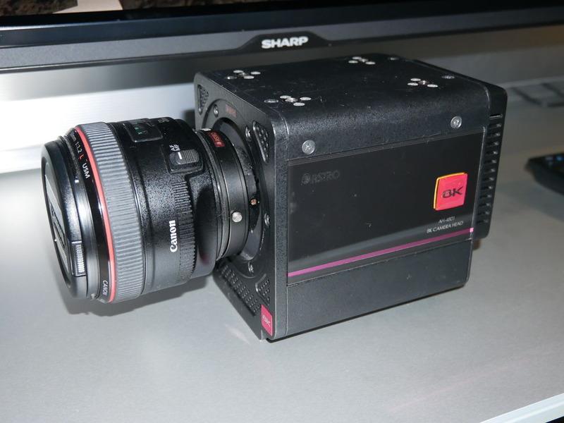 質量2kgという軽量、小型化を実現したアストロデザインの8Kカメラ。水中映像も撮影できる