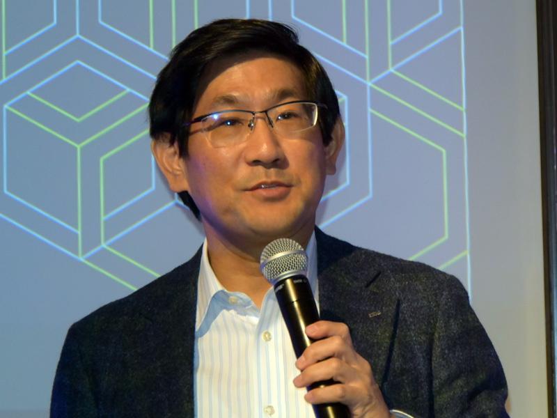 日本IBM 常務執行役員 ハードウェア事業本部長の朝海孝氏
