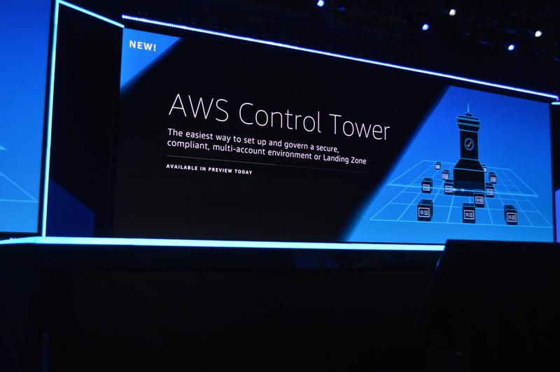 ひとつ目のセキュリティサービス「AWS Control Tower」はマルチアカウントに対応したセキュアな環境を簡単に構築できる。グローバルで多くのアカウントやランディングゾーンをもつ企業などに適している