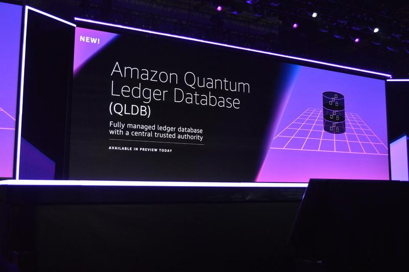 ブロックチェーン関連アップデートのひとつ目は中央集権型の台帳データベース「Amazon QLDB」。アペンドオンリーの不変ジャーナルを実装し、順序付けされた永続的な記録を残すことに特化している