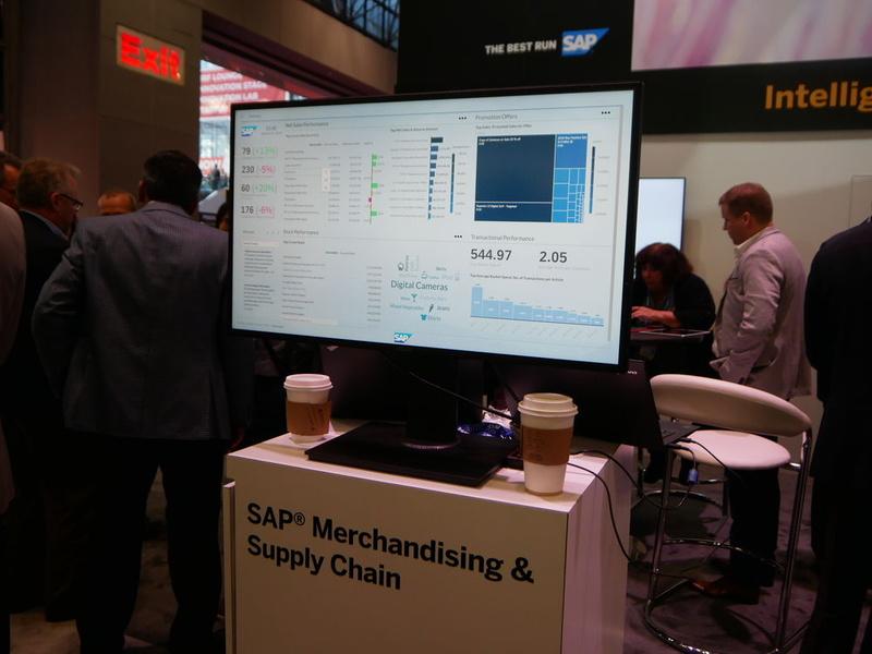 SAPブースではサプライチェーン全体を結んだ提案を行ったほか、機械学習を活用した分析ソリューションなども展示