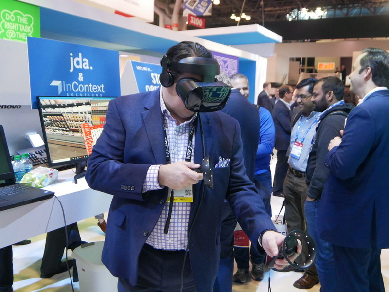 JDAは、VRを利用した店舗の運用管理ソリューションをデモ