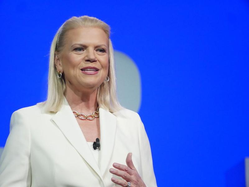 基調講演に登壇した、米IBMのジニー・ロメッティ会長兼社長兼CEO