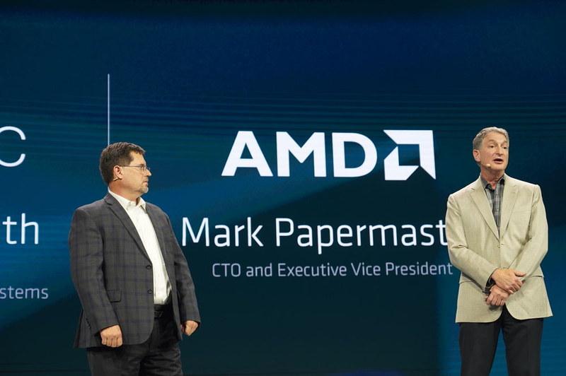 Dell EMC 副社長 ロバート・フルムス氏(左)