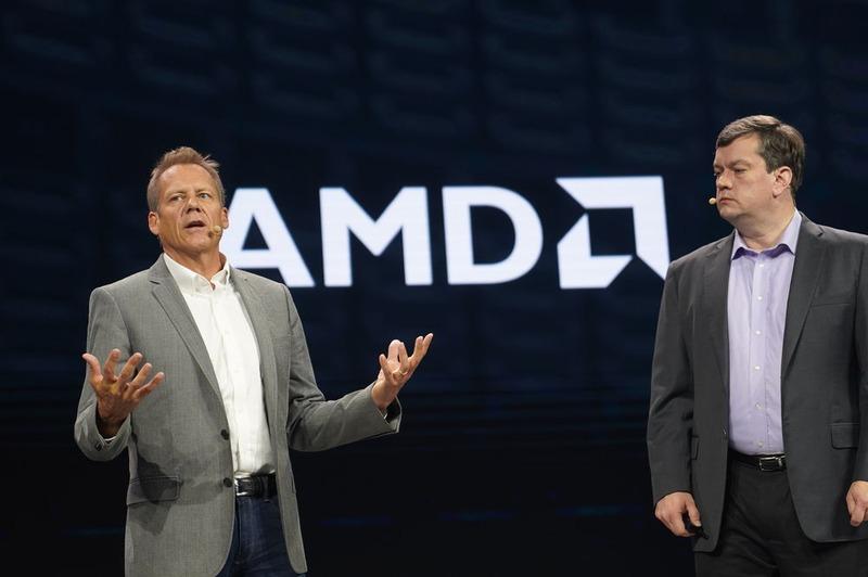 Lenovo データセンター事業部 上級副社長 兼 COO ダグラス・フィッシャー氏(左)