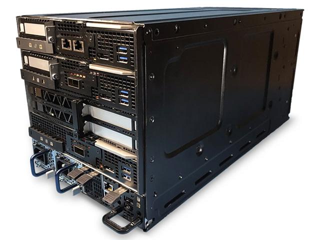 写真7:HPE Edgeline EL8000(出典:日本ヒューレット・パッカード)