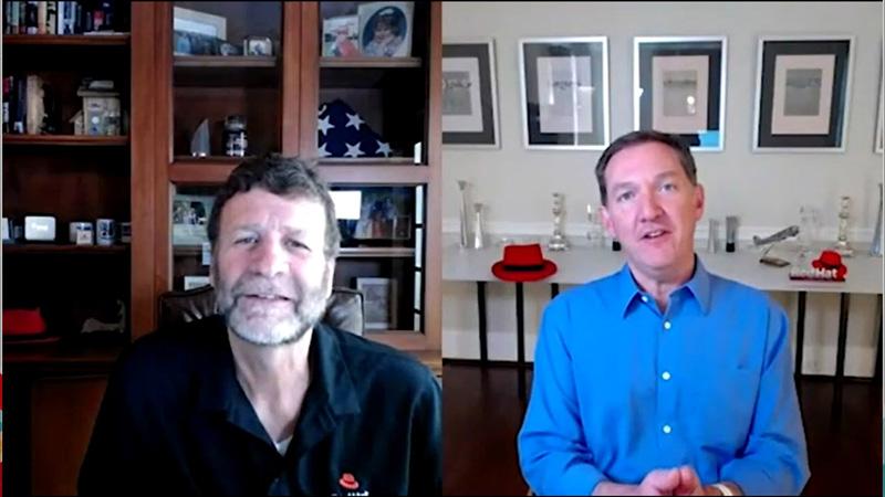 IBMのプレジデントとしてゲスト登場した前CEOのジム・ホワイトハースト氏(右)